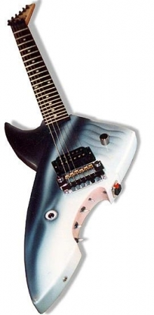 shark-guitar-921e49e5ee9d3836f4e13dec273519d1475c18f7
