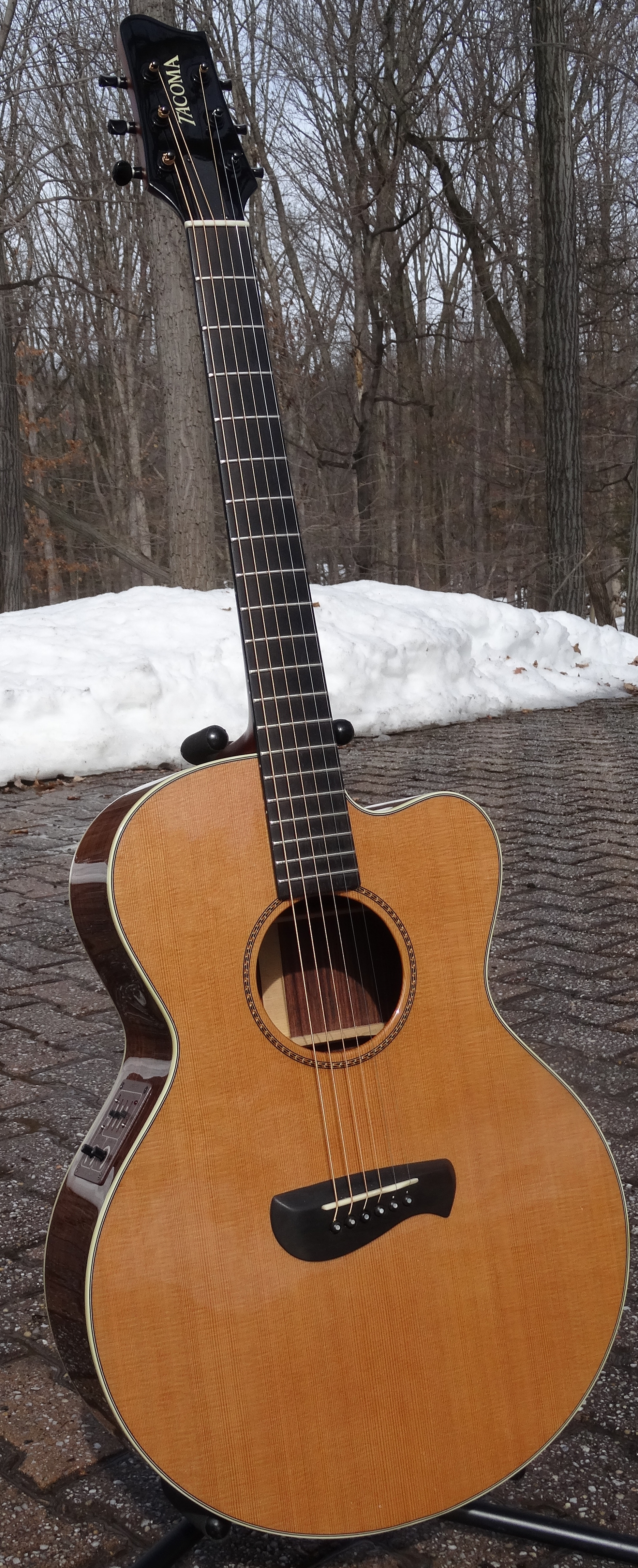 tacoma er22ce acoustic electric for sale my cool guitars. Black Bedroom Furniture Sets. Home Design Ideas